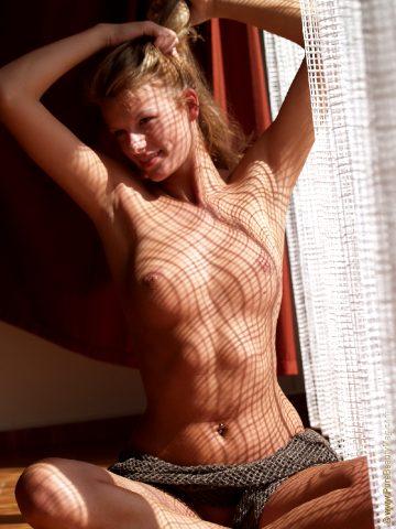 Purebeautymag – Angelika – Curtain Raiser1