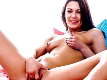 QUEST FOR ORGASM – Natural redhead beauty intense orgasm