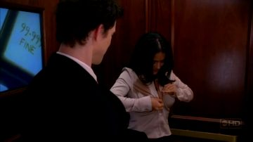 Salma Hayek – Sexy Bra Scene In Ugly Betty