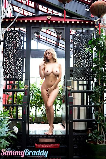 Sammy Braddy – My Nude Tour Of Japan