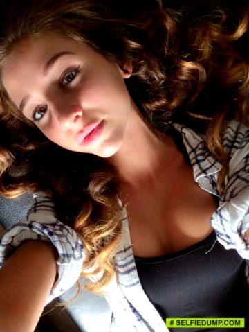 Sexy Selfie Sluts Teasing You At Snapchatfflirts