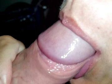 She sucks my dick and swallows my cum in the basement (Tinder date)