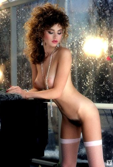 Sherry Arnett Shows Off Various Sides Of Her Lovely Figure – Set Five Hope Cpliso The Redhead Fans Are Enjoying Are You