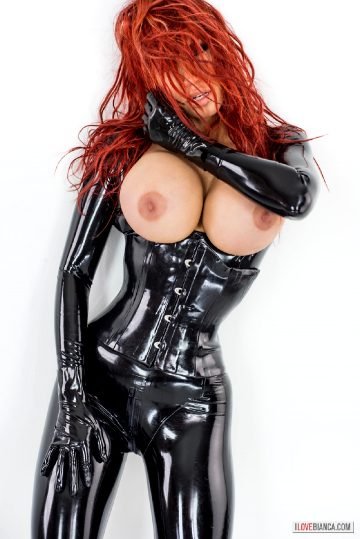 Shiny-rubber-star- – Bianca Beauchamp 2016