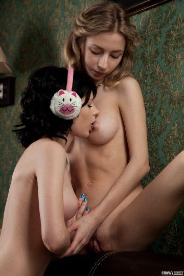 Showybeauty Emily Marika In Gentle Pair