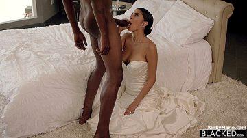 Sophia Leone – Sexy Model Gets Bbc – Blacked
