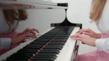Stacy Cruz – Teach Me How To Play
