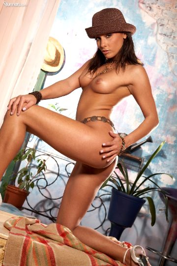 Stunners Anetta Keys – Can't Stop Smiling