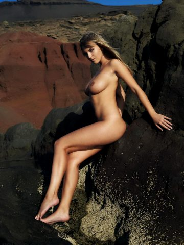 Stunning Via Nude Art Pictures