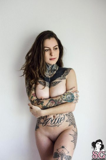 Suicidegirls Fava – Fava