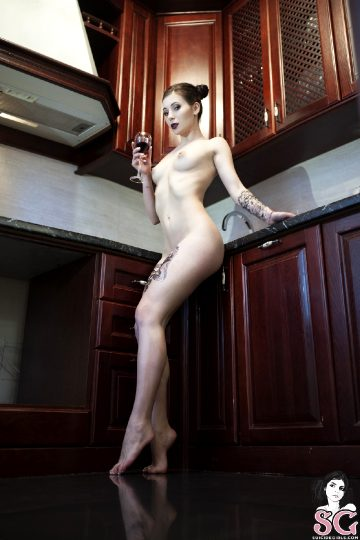 Suicidegirls – Leetattar – Kitchen-devil