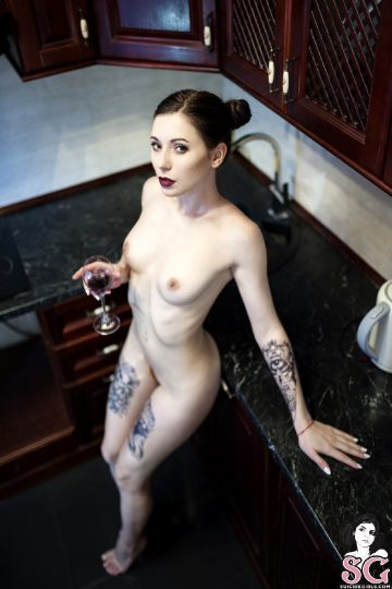 Suicidegirls – Leetattar – Kitchen-devil