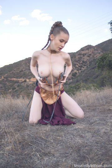 Theemilybloom – Emily – Slave Leia