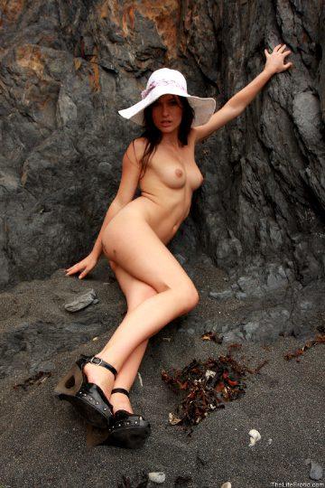 Thelifeerotic – Janet – White Heat