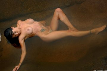 Thelifeerotic Laura Humid Skin