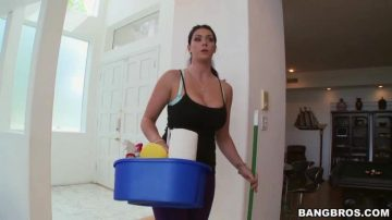 Thick Girl Cleans The House