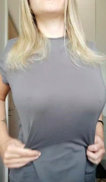 Titty Wank Anyone? 💋🇸🇪