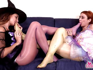 Witch and Fairy cosplayers in pantyhose have foot worship fun